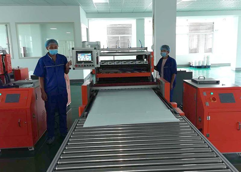 双鑫净化设备过滤器生产车间